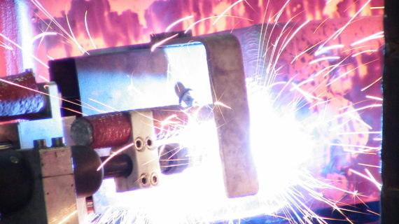 STS5000_04 MIG welding of tag on hot billet